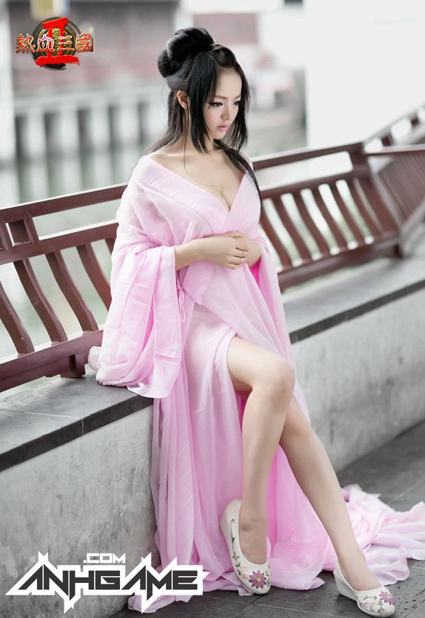 """""""Bỏng mắt"""" với cosplay Nhiệt Huyết Tam Quốc II - Ảnh 1"""