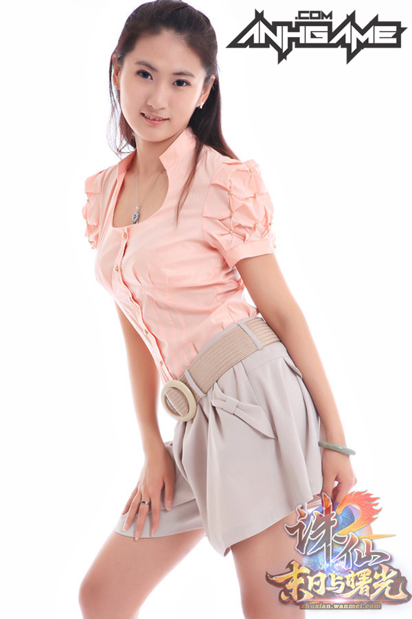 Nữ game thủ gợi cảm của Tru Tiên 2 - Ảnh 2