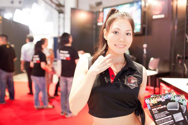 Ngắm dàn showgirl xinh đẹp tại Tokyo Game Show 2012 (4) - Ảnh 5