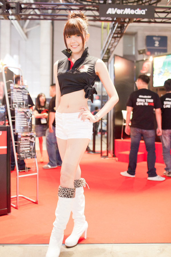 Ngắm dàn showgirl xinh đẹp tại Tokyo Game Show 2012 (4) - Ảnh 7