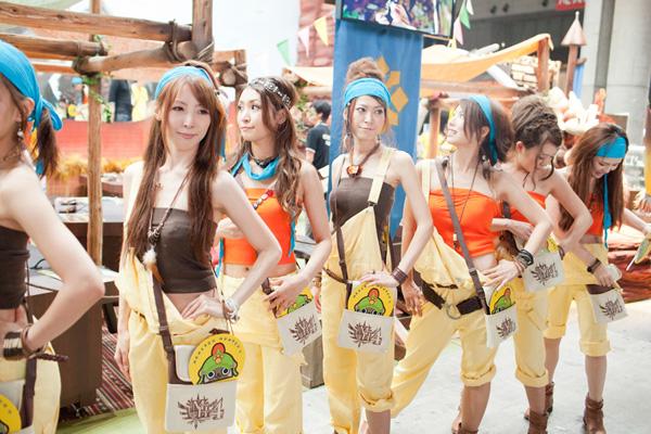 Ngắm dàn showgirl xinh đẹp tại Tokyo Game Show 2012 (4) - Ảnh 10