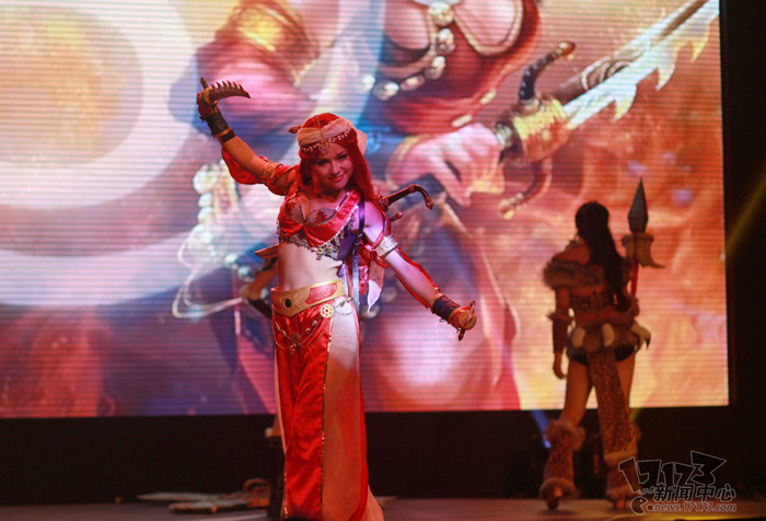 Loạt cosplay ấn tượng của Liên Minh Huyền Thoại - Ảnh 4