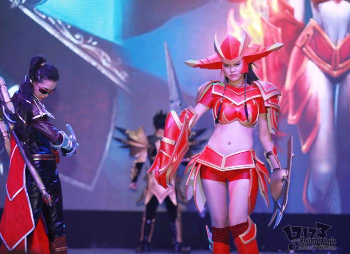 Loạt cosplay ấn tượng của Liên Minh Huyền Thoại - Ảnh 18