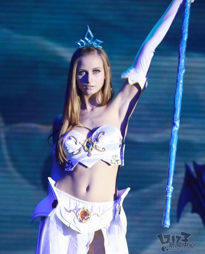 Loạt cosplay ấn tượng của Liên Minh Huyền Thoại - Ảnh 24