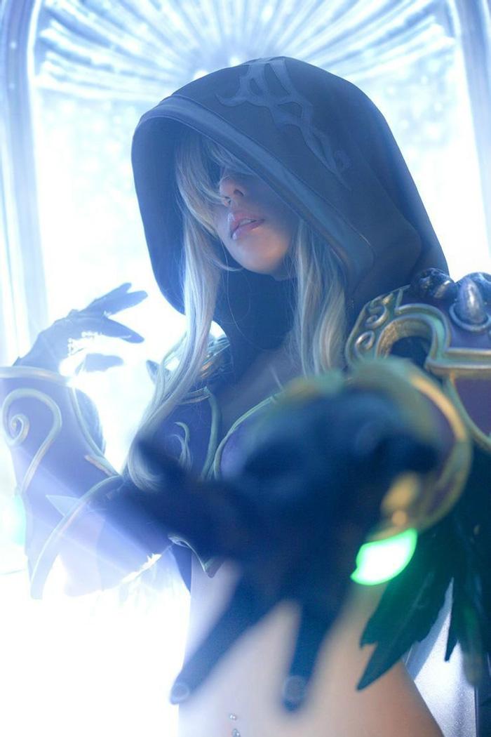 Loạt cosplay gợi cảm về World of Warcraft - Ảnh 6