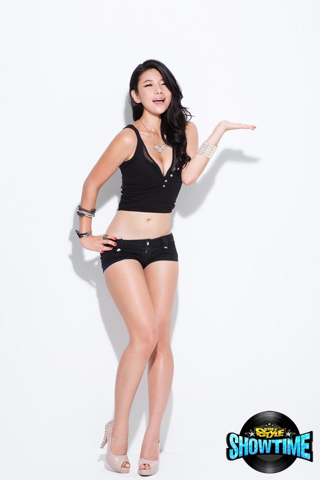 Nữ DJ nóng bỏng của FreeStyle - Ảnh 4