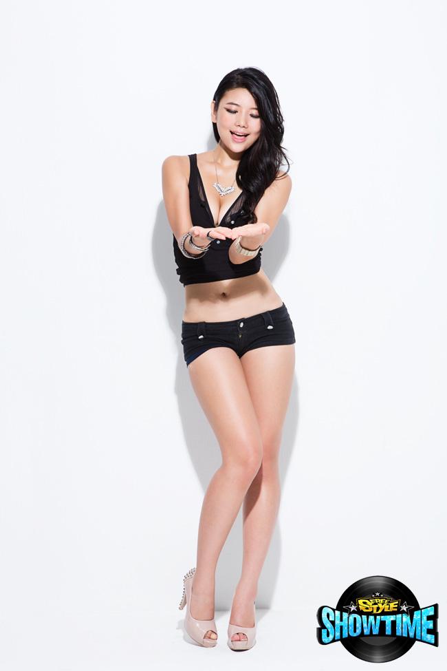 Nữ DJ nóng bỏng của FreeStyle - Ảnh 6
