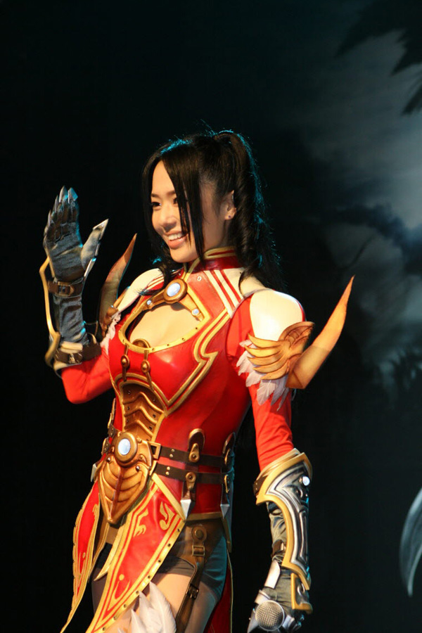 Sora Aoi gợi cảm với cosplay Dragona tại Hàn Quốc - Ảnh 2