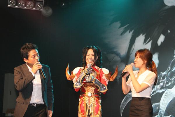 Sora Aoi gợi cảm với cosplay Dragona tại Hàn Quốc - Ảnh 3