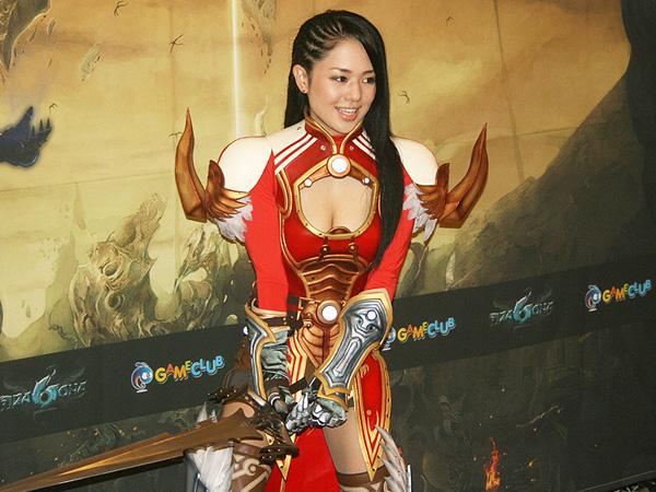 Sora Aoi gợi cảm với cosplay Dragona tại Hàn Quốc - Ảnh 5