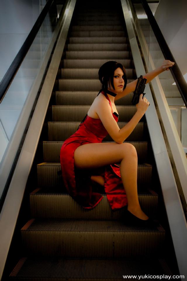 Nữ điệp viên Ada Wong gợi cảm của Resident Evil - Ảnh 1