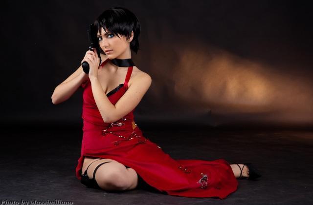 Nữ điệp viên Ada Wong gợi cảm của Resident Evil - Ảnh 4