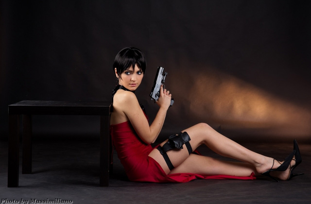 Nữ điệp viên Ada Wong gợi cảm của Resident Evil - Ảnh 8