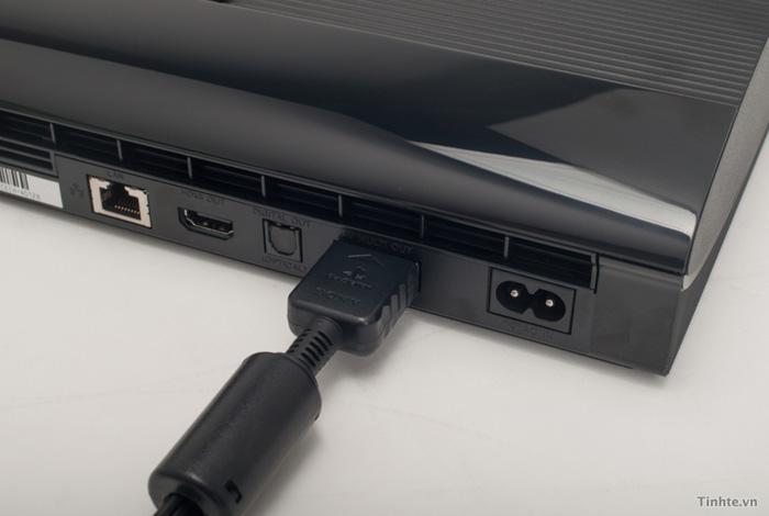 Cận cảnh PS3 Super Slim tại Việt Nam
