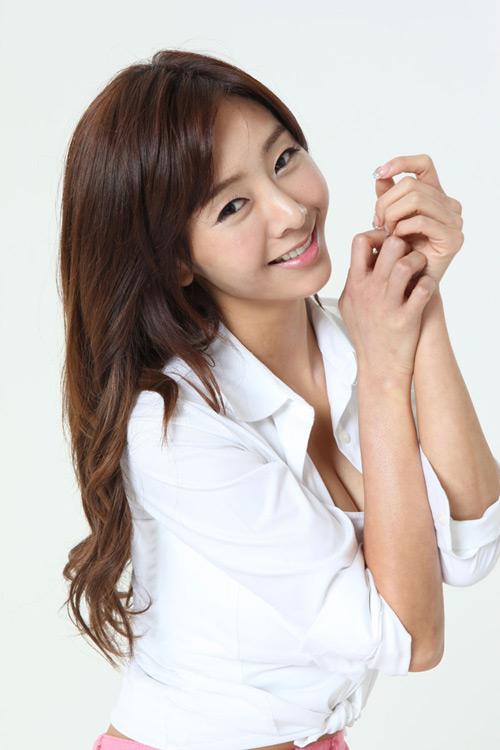 Gina Choi gợi cảm với cosplay Maestia Online - Ảnh 7