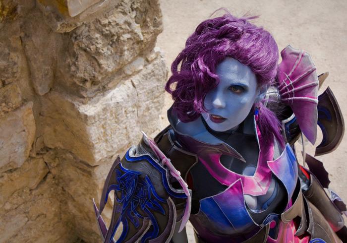 Svetlana Quindt rạng rỡ trong cosplay Asmodian (Aion) - Ảnh 2