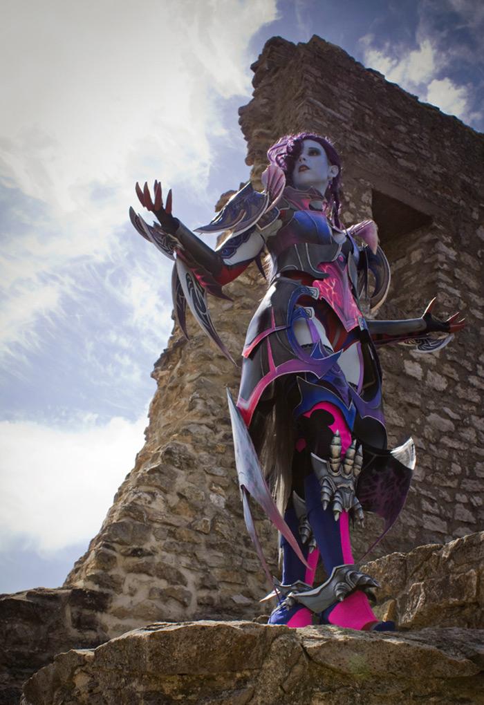 Svetlana Quindt rạng rỡ trong cosplay Asmodian (Aion)