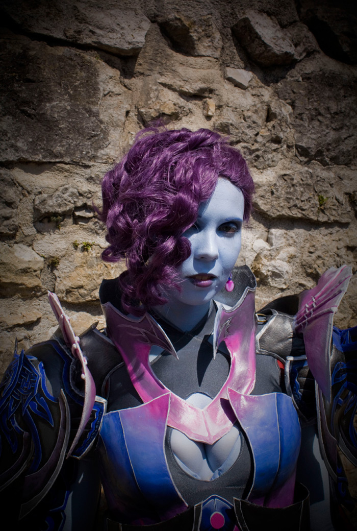 Svetlana Quindt rạng rỡ trong cosplay Asmodian (Aion) - Ảnh 11