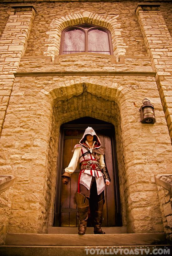 Sát thủ Ezio trong Assassin's Creed II cực đẹp trai - Ảnh 4