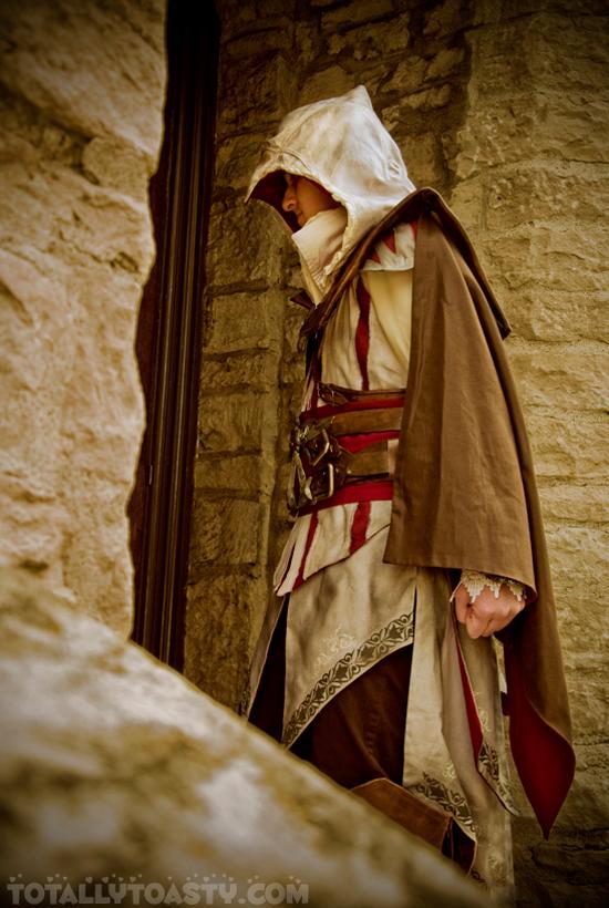 Sát thủ Ezio trong Assassin's Creed II cực đẹp trai - Ảnh 10