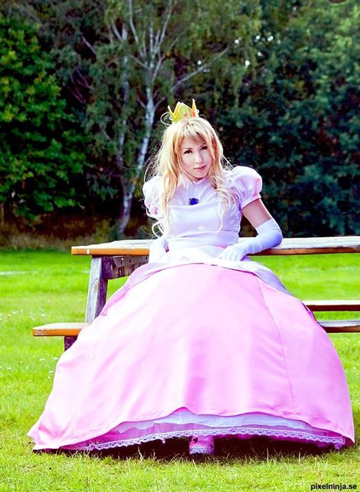Công chúa Peach đẹp rạng ngời ngoài đời thực - Ảnh 4