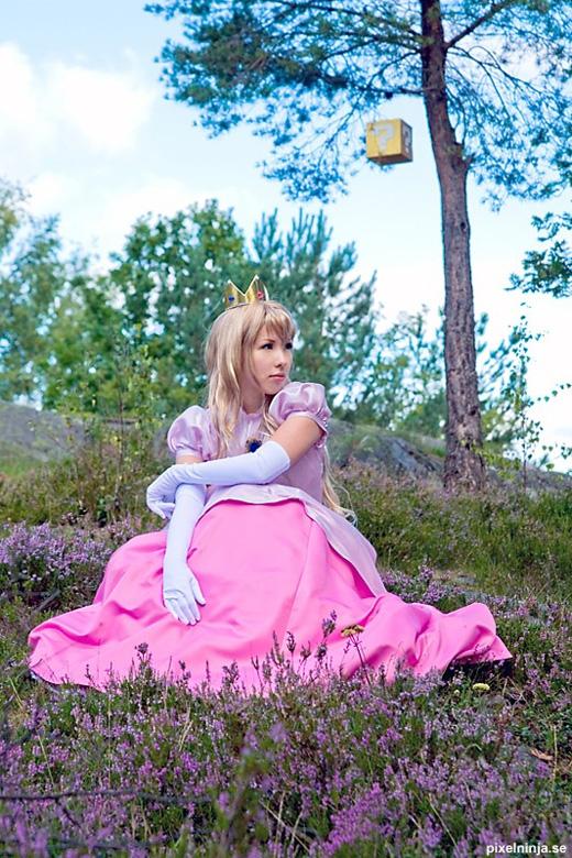 Công chúa Peach đẹp rạng ngời ngoài đời thực - Ảnh 10