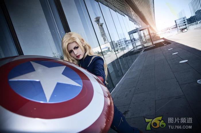 Captain America và Iron Man phiên bản nữ đại chiến - Ảnh 9