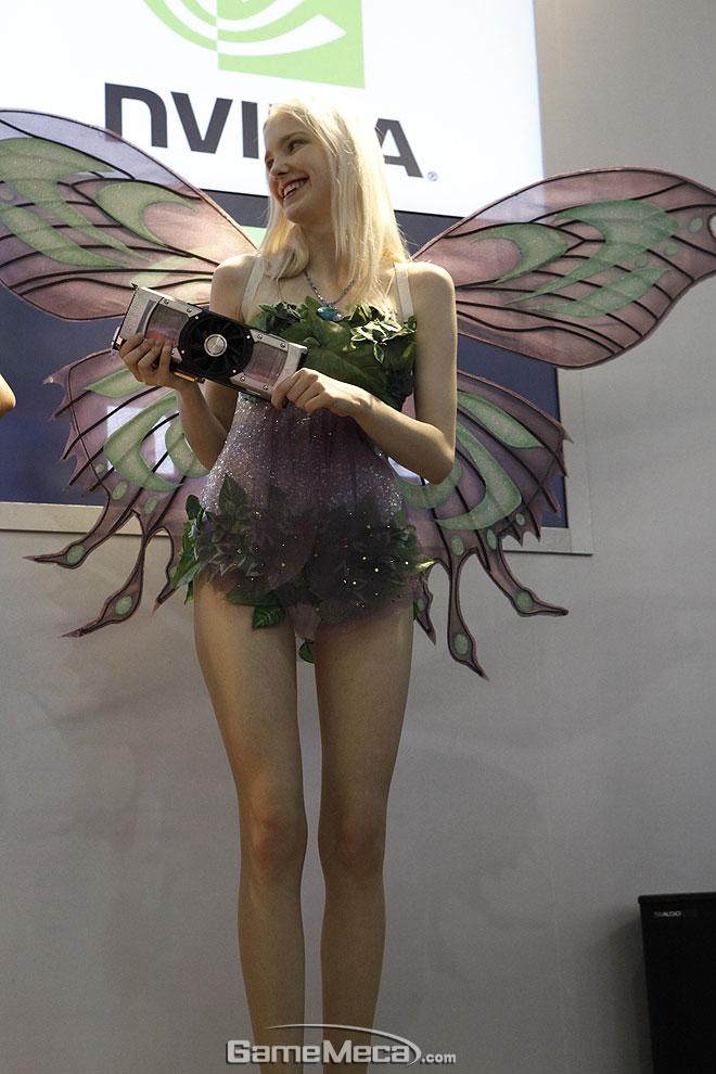 Thiên thần xinh đẹp của Nvidia tại Gstar 2012 - Ảnh 2