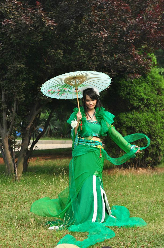 Bích Dao và tà áo xanh gợi cảm trong Tru Tiên - Ảnh 1