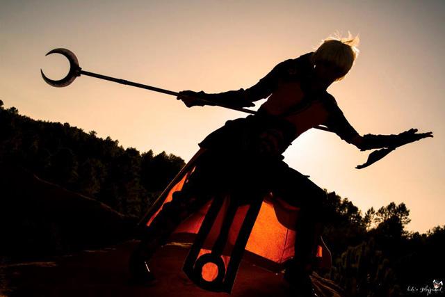 Lili và bộ ảnh cosplay về nữ thầy tu trong Diablo III - Ảnh 12