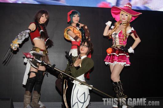 Bỏng mắt với cosplay Red Stone 2 tại Gstar 2012