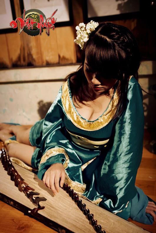 Linh Miu lả lơi trong cosplay Nhiệt Huyết Online - Ảnh 3