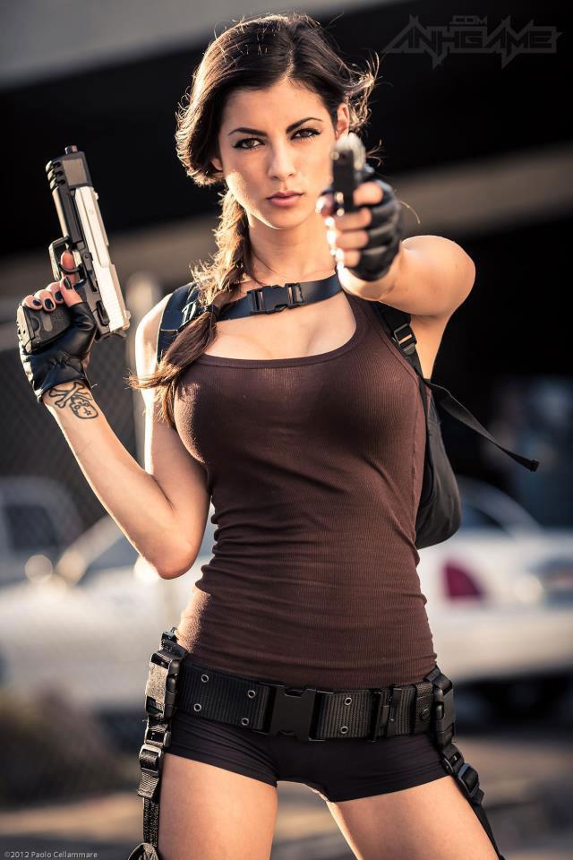 LeeAnna Vamp gợi cảm với cosplay Lara Croft - Ảnh 9