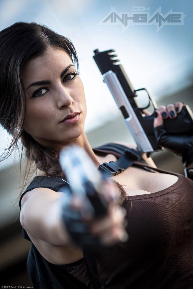 LeeAnna Vamp gợi cảm với cosplay Lara Croft - Ảnh 11