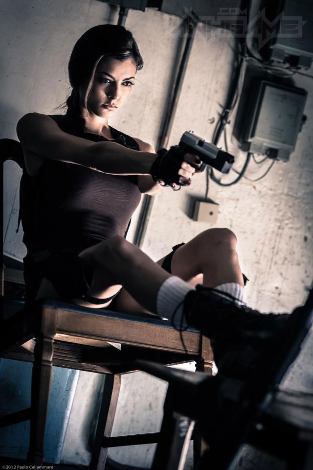 LeeAnna Vamp gợi cảm với cosplay Lara Croft - Ảnh 12