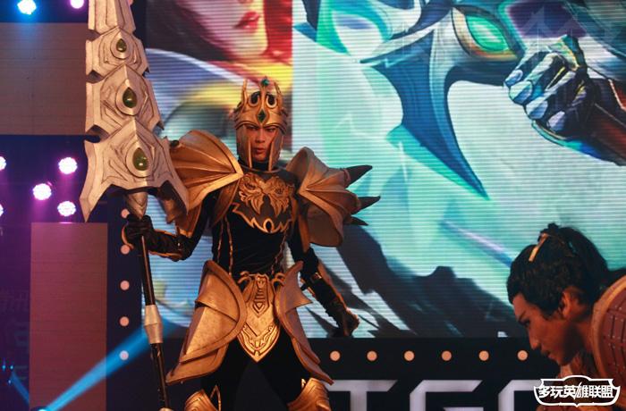 Ngắm cosplay Liên Minh Huyền Thoại tại TGC 2012 - Ảnh 3
