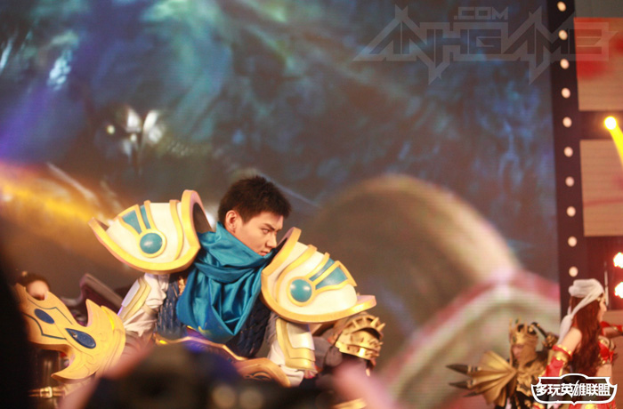 Ngắm cosplay Liên Minh Huyền Thoại tại TGC 2012 - Ảnh 17
