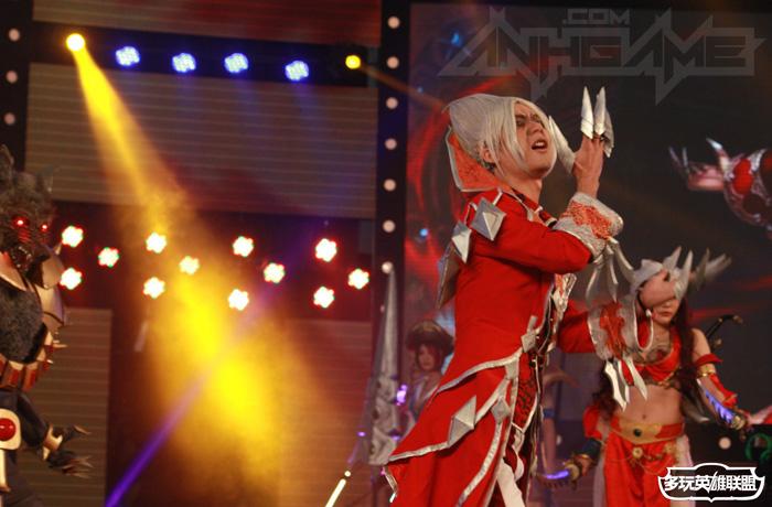 Ngắm cosplay Liên Minh Huyền Thoại tại TGC 2012 - Ảnh 18
