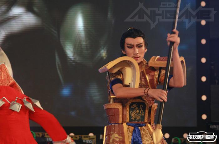Ngắm cosplay Liên Minh Huyền Thoại tại TGC 2012 - Ảnh 19