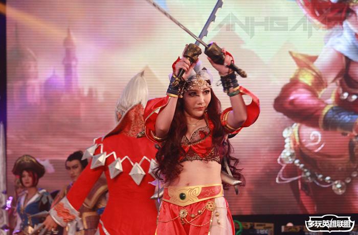 Ngắm cosplay Liên Minh Huyền Thoại tại TGC 2012 - Ảnh 26