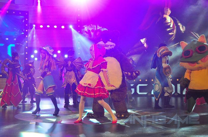 Trình diễn cosplay League of Legends tại TGC 2012 - Ảnh 2