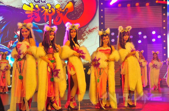 Tencent Games khoe cosplay Phong Thần Kỷ tại TGC 2012 - Ảnh 1