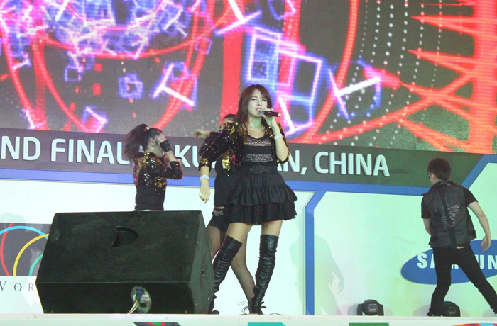 Thái Nghiên nhảy múa cực xung tại WCG 2012