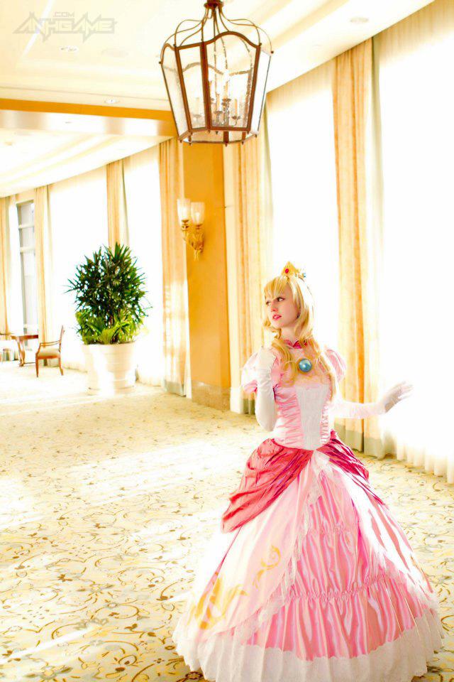 Công chúa Peach cực xinh đẹp của loạt game Mario
