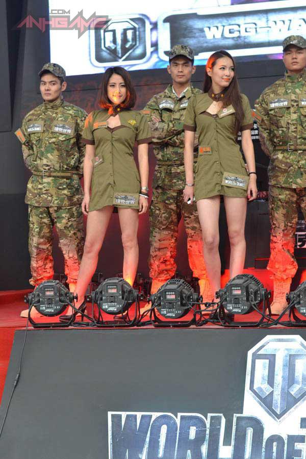 Showgirl World of Tanks khoe dáng tại WCG 2012 - Ảnh 6