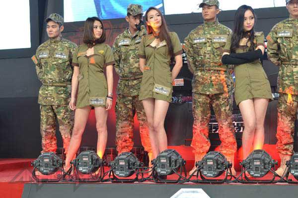 Showgirl World of Tanks khoe dáng tại WCG 2012