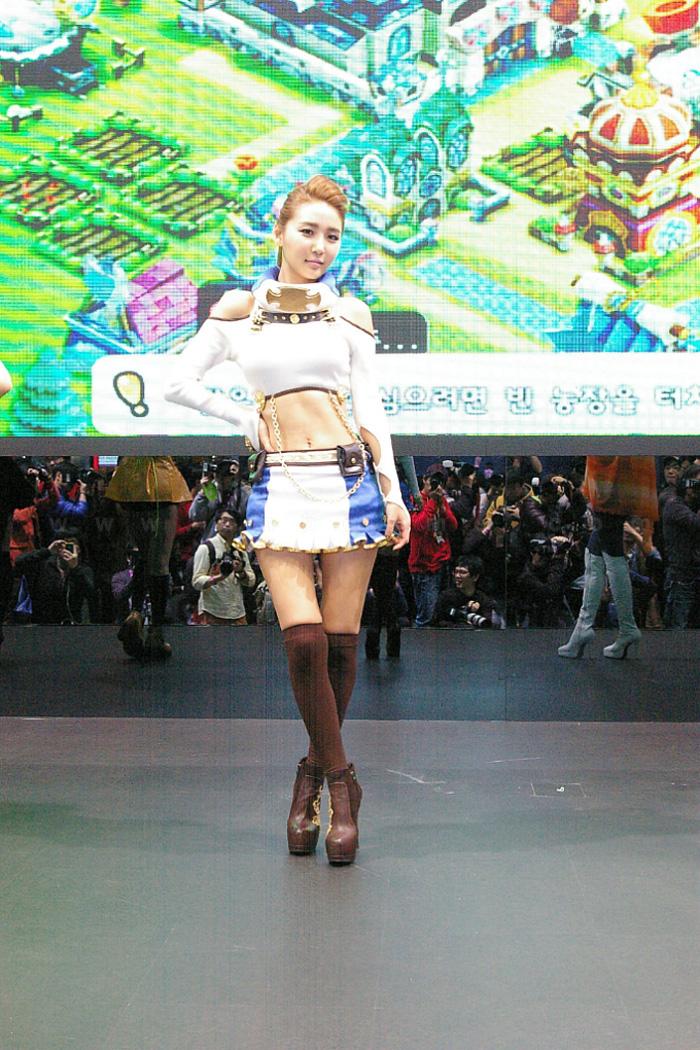 Showgirl G-star 2012: Bang Eun Young - Ảnh 4