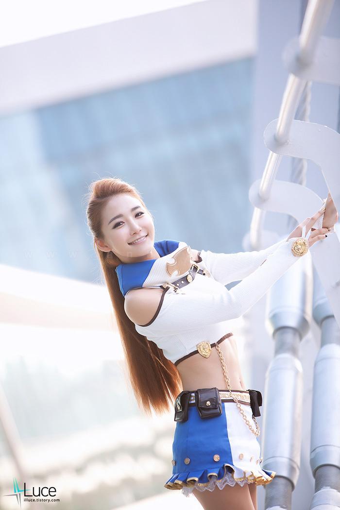 Showgirl G-star 2012: Bang Eun Young - Ảnh 15