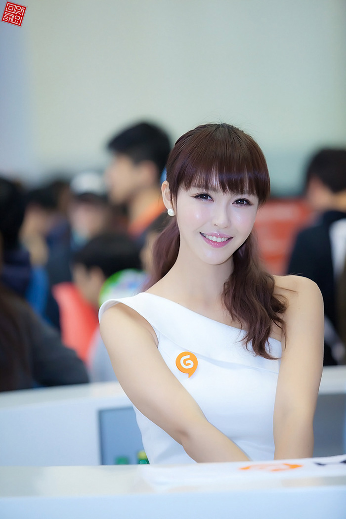Showgirl G-star 2012: Kang Yui - Ảnh 2
