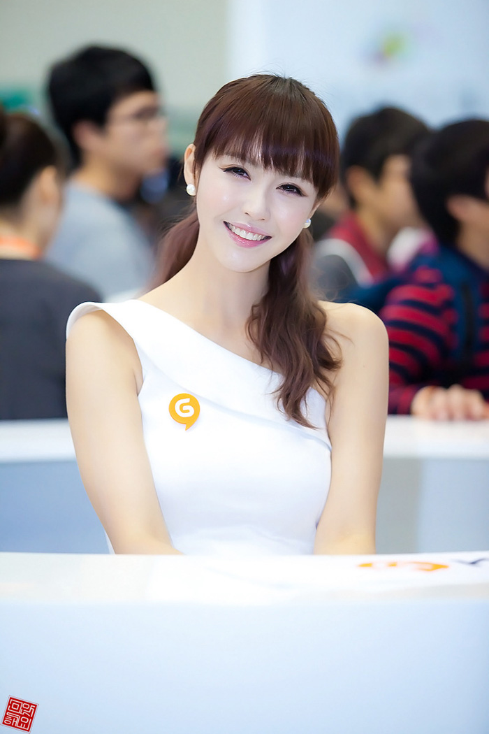 Showgirl G-star 2012: Kang Yui - Ảnh 4